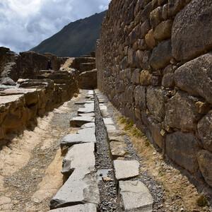 Ольянтайтамбо — неприступная крепость Перу