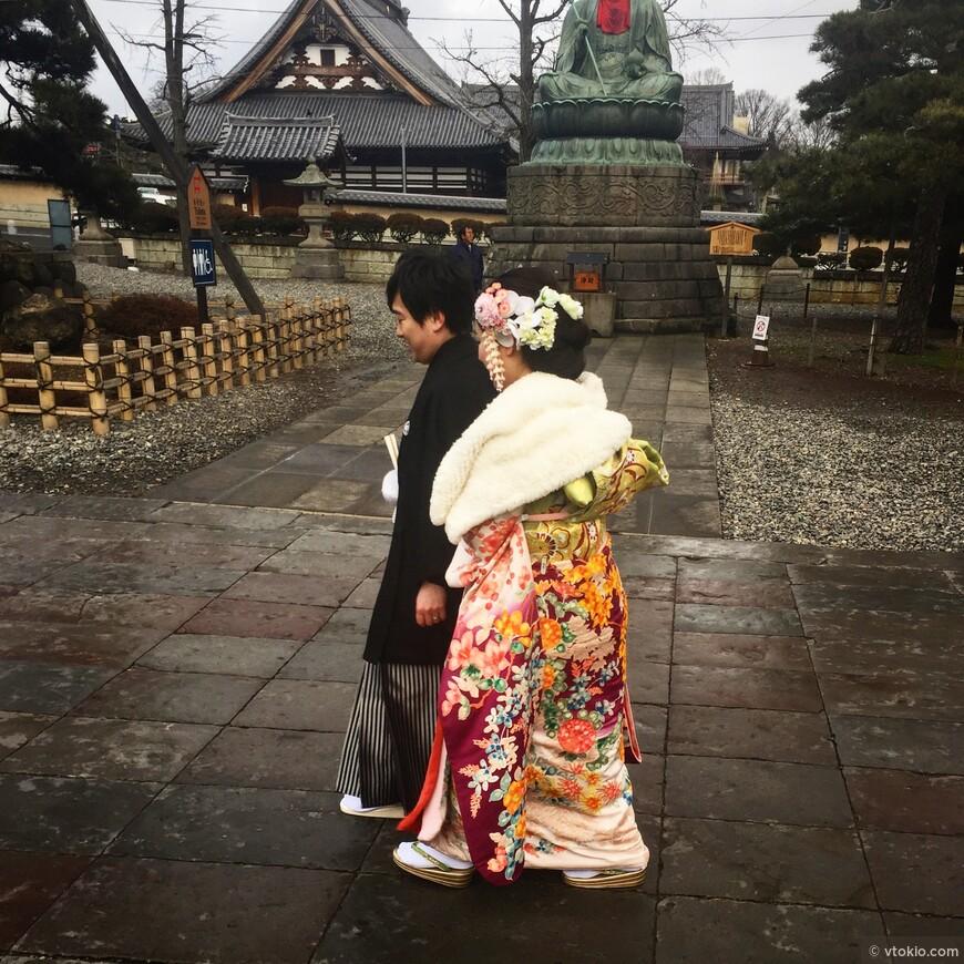 Перед свадьбой обязательна фотосессия. Если путешествуете парой это наверное интересный опыт и отличные фото на память.