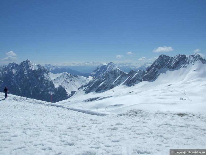 Где-то там вдали Гросклоккнер, высочайшая вершина австрийских Альп.