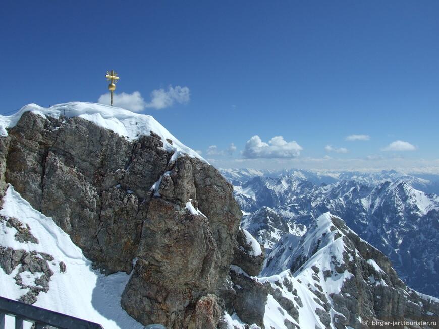 Самая высокая горная вершина в Германии - Цугшпитце, 2962м.