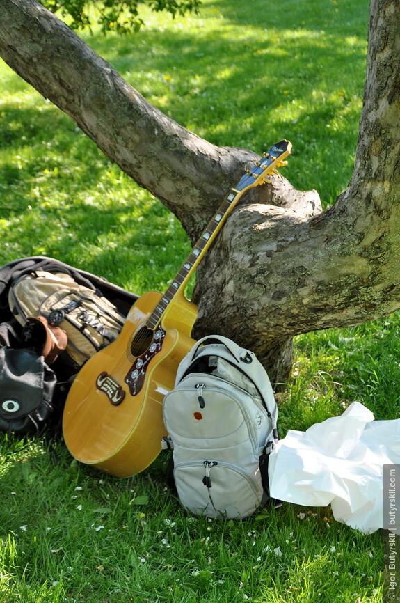 12. Набор туриста, гитара ждала своего чала и дождалась таки…