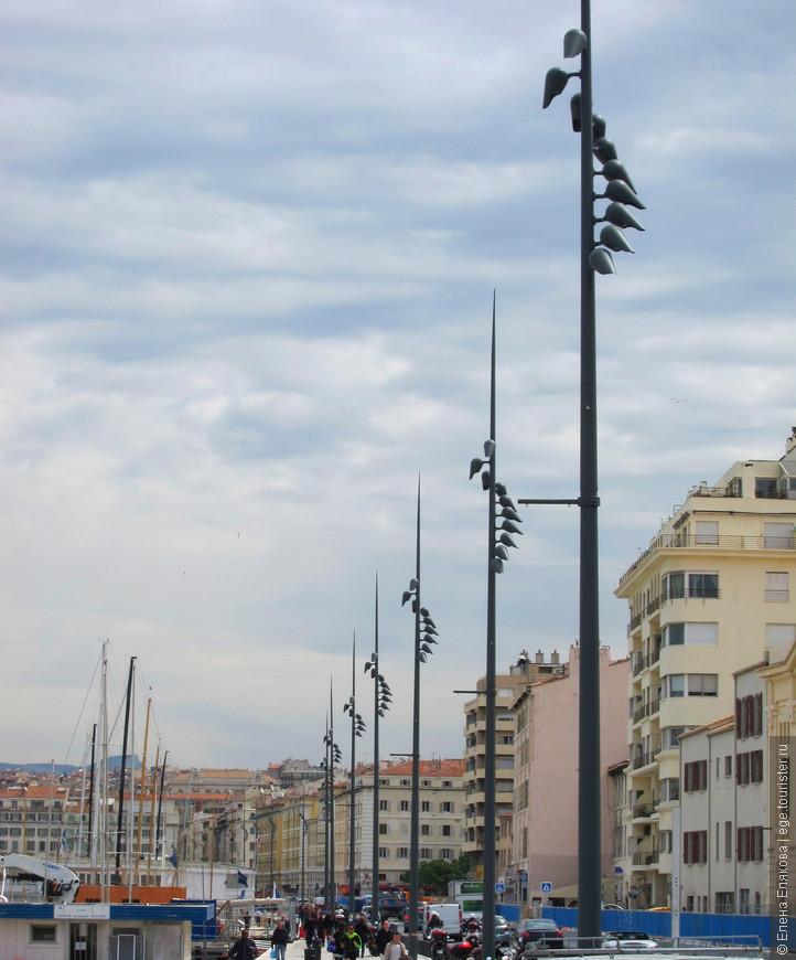 Марсельские фонари-птицы