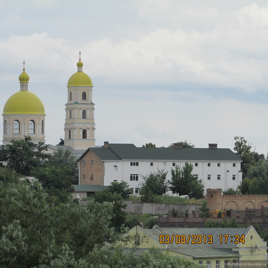 Церковь Св. Марии Магдалины - была построена в 1843 году на деньги графини Александры Браницкой, жены Ксаверия (в девичестве Энгельгардт).