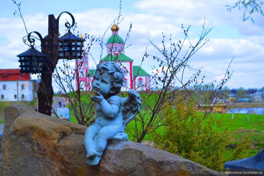 Жизнь небольшого старинного городка Суздаль, так называемой «жемчужины Золотого кольца», в последние годы связана с активным развитием туризма. И неслучайно.