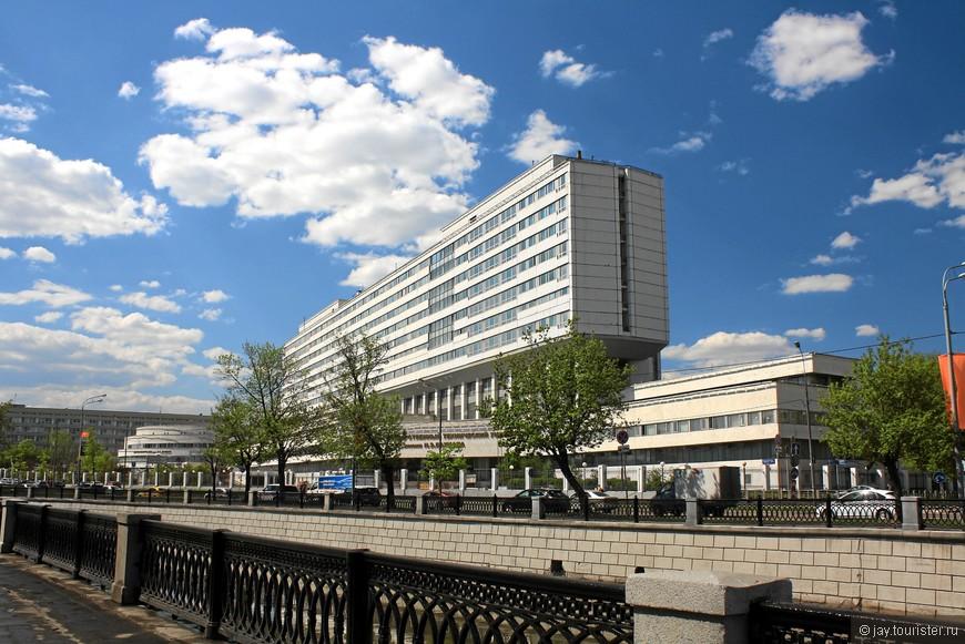 Московский государственный технический университет имени Н. Э. Баумана. Для университета приспособлены старые корпуса XIX века и построены многочисленные новые.
