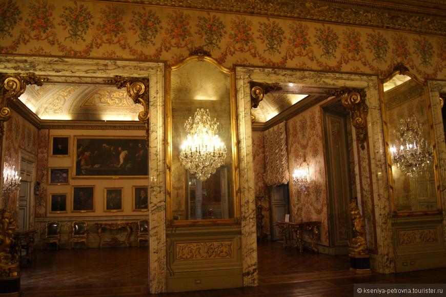 Галерея Дориа-Памфили представляет собой частную коллекцию живописи, скульптуры и мебели. Интерьеры здесь просто роскошные!