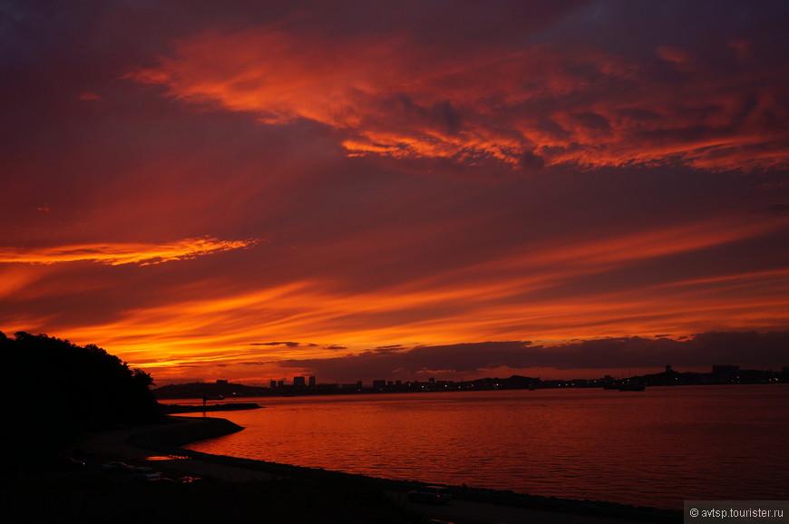 Закат над проливом Босфор Восточный