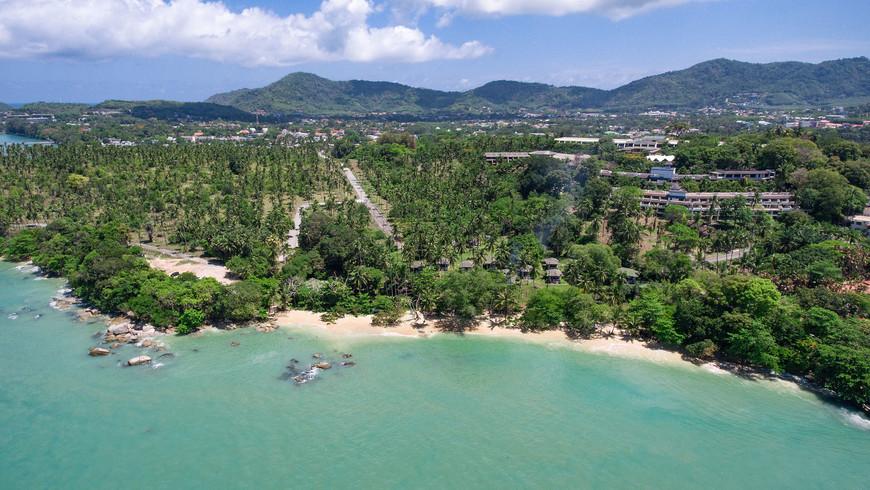 Пляж Лаем Ка, вид на район Раваи