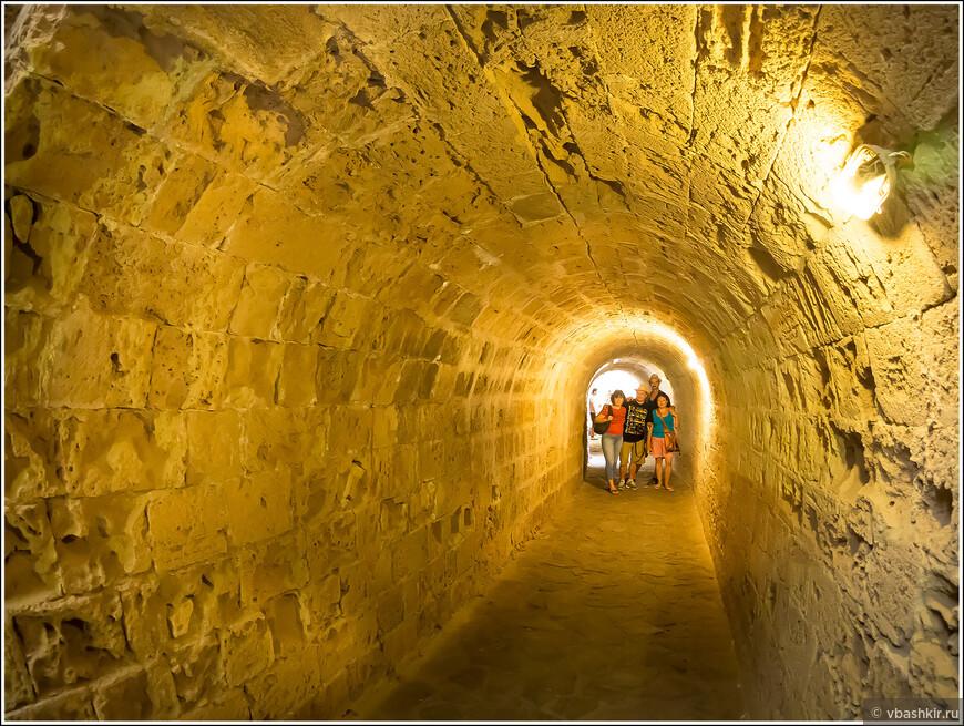 Туристеры в Киренийском замке!