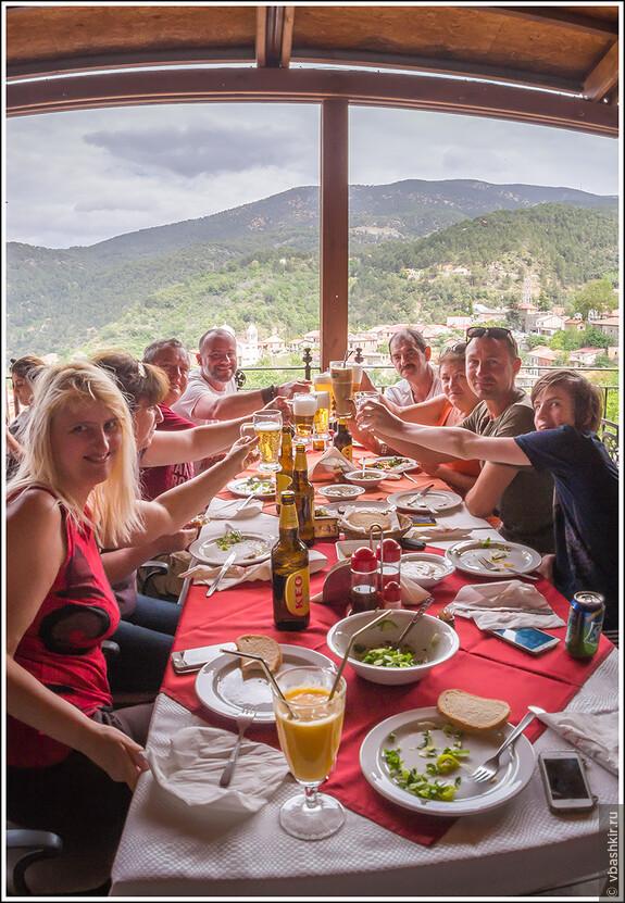 Традиционный кипрский тост: помните, на греческой стороне - не Эфес, а КЕО!!!))))