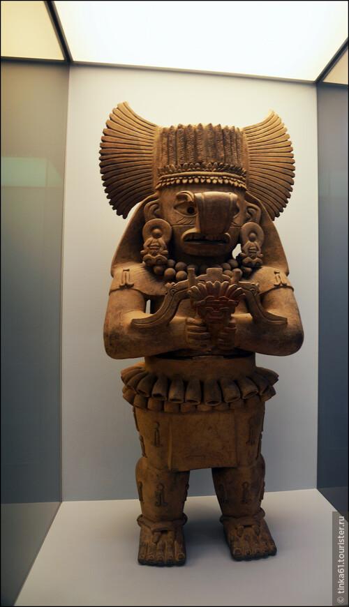 Керамическое божество Косихо, в культуре народа сапотеко Бог грома и дождя.