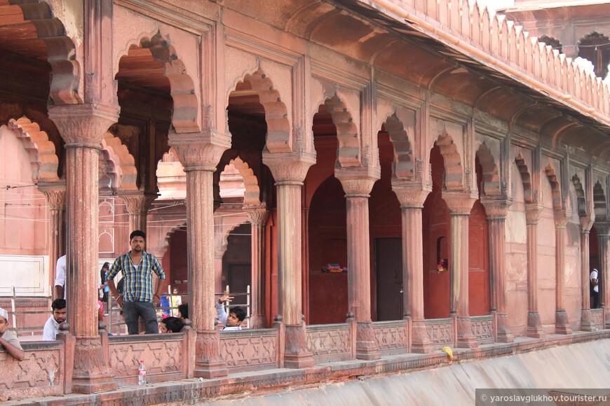 Джама-Масджид — колоритное место в самом сердце Старого Дели.