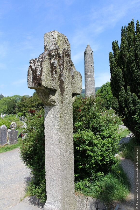 Крест Святого Кевина (8 век). Гранит.