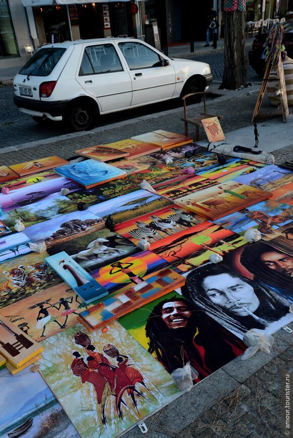 После дегустации мы прошлись по набережной, посмотрели продаваемые постеры...
