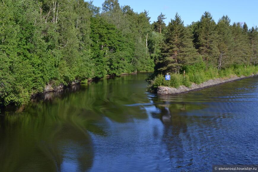 При создании канала использовали помощь иностранцев ( поскольку в России не было опыта строительства в скальном ландшафте. Помогали главным образом шведы, ведь у них уже были построены каналы Гёта-канал, Трольхеттан. Впервые в Финляндии был использован порох в горных работах.