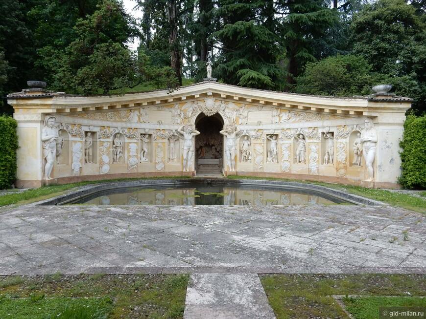 Типичное офрмление парка в итальянском стиле на Вилле Мазер.