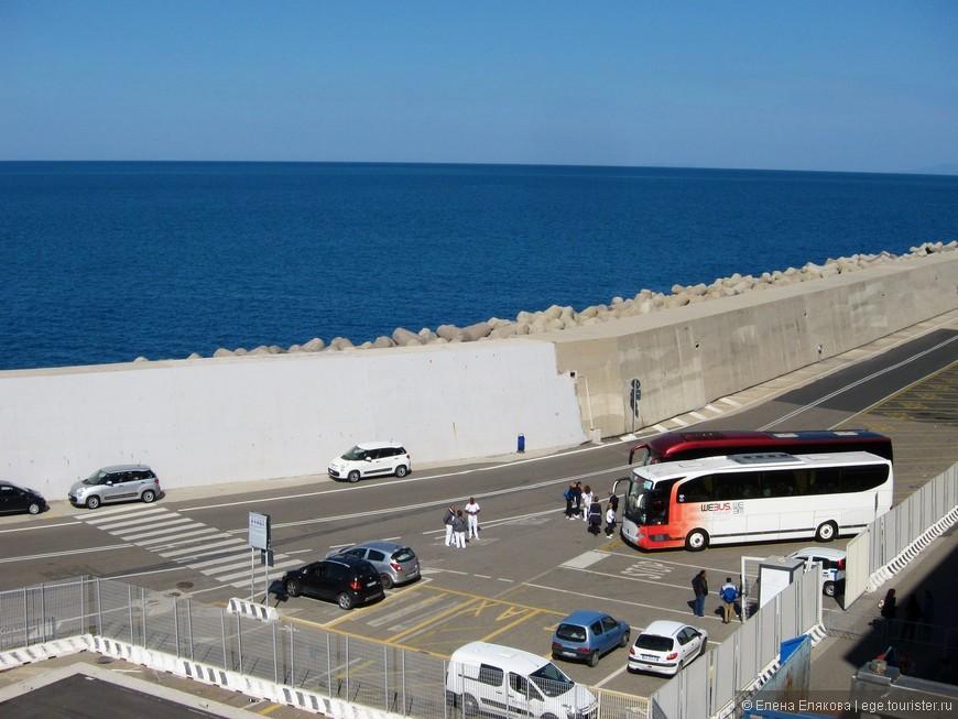 6-ой День — Чивитавеккья, где от порта до центра города ходил бесплатный автобус каждые 30 минут.