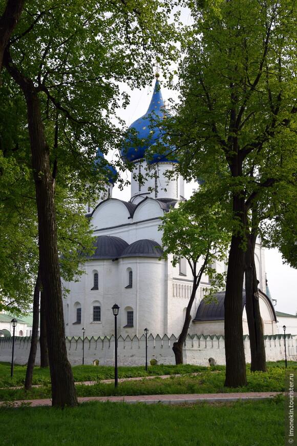 Один из символов Суздаля - Кремль. Собор Рождества Богородицы