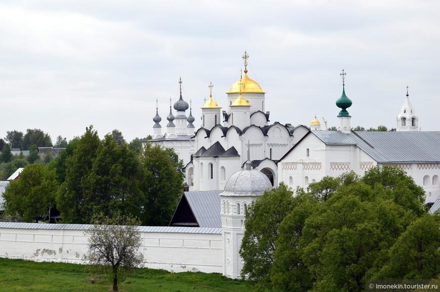 Покровский монастырь, XIV век