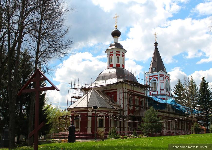 Ильинская церковь. Увы, она на реставрации.