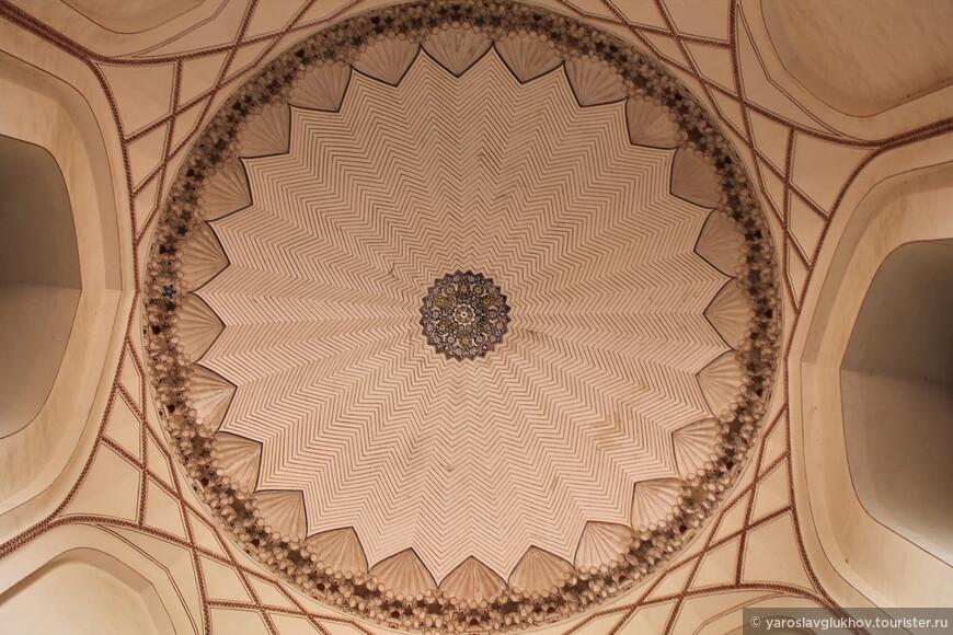 Купол мавзолея.