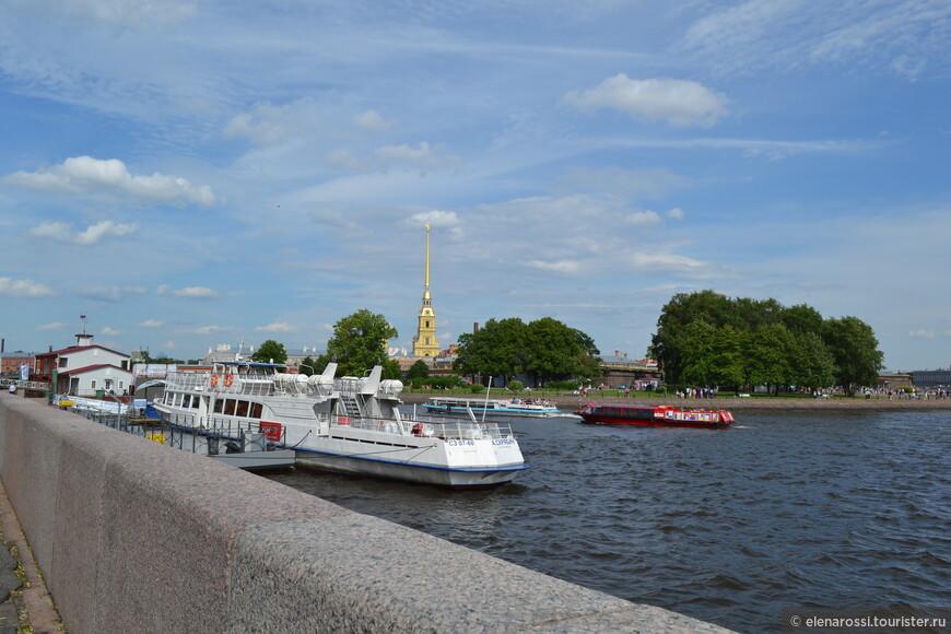 Песочные фестивали в Санкт-Петербурге  проводятся уже шестнадцатый раз. В этом году площадкой для фестиваля стал пляж Петропавловской крепости.