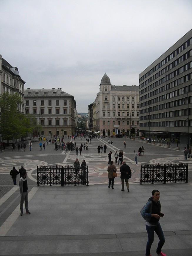 Вид на площади перед собором Святого Иштвана