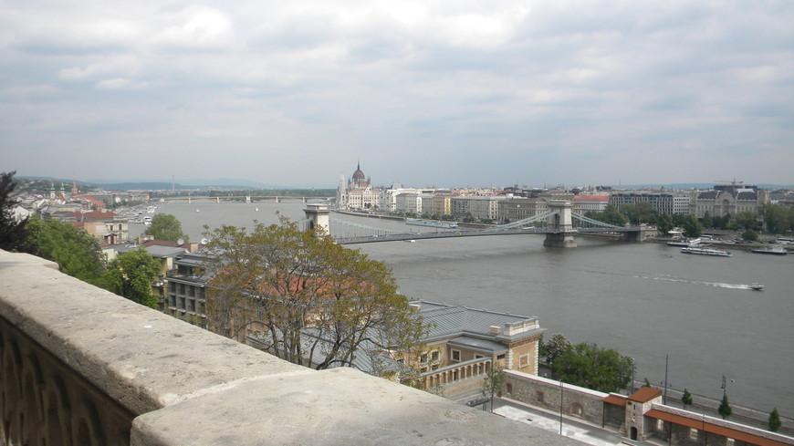 Вид с самой высокой точки Будапешта, захватывающее зрелище