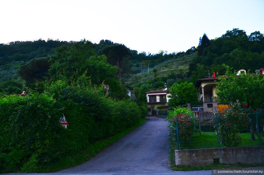 Тосканцы не питают никакого доверия к легенде, которой верят остальные итальянцы, считающие, что мороженое привезли арабы в Сицилию, и уже потом оно распространилось по всему полуострову.