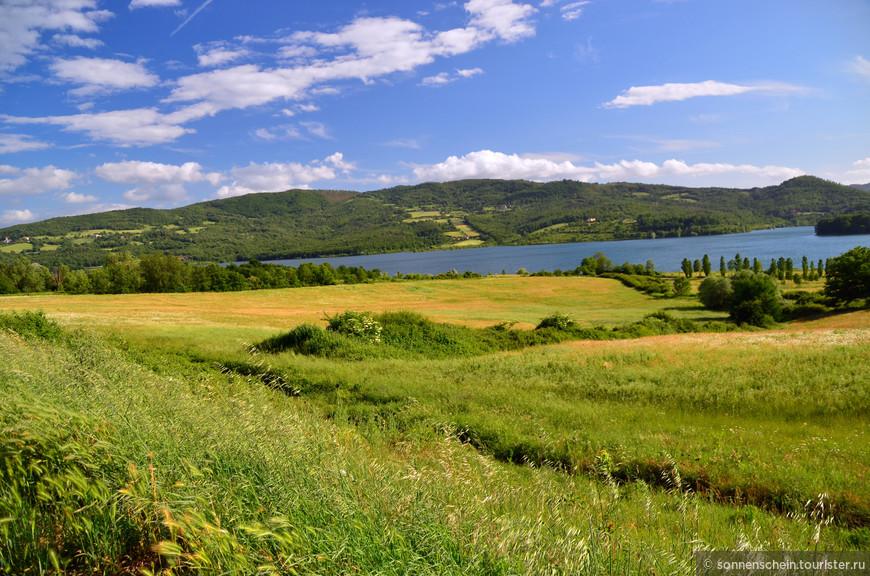 Регион Muggelo, озеро Bilancino.