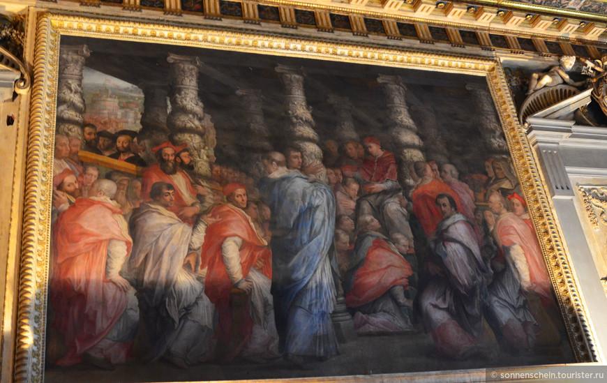 В средине 15 века Старый дворец стал местом для весьма драматичных событий. Был раскрыт заговор, целью которого было свержение семьи Медичи с руководящего поста Флорентийской республики. Предводитель заговора, Франческо Пацци поплатился за свои деяния жизнью. В качестве назидания заговорщик был повешен в центральном окне ратуши. Спустя всего один год, в 1479 та же участь постигла Бернардо ди Бондино, ставшего палачом Джулиано Медичи.