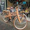 Последний писк моды - деревянный велосипед