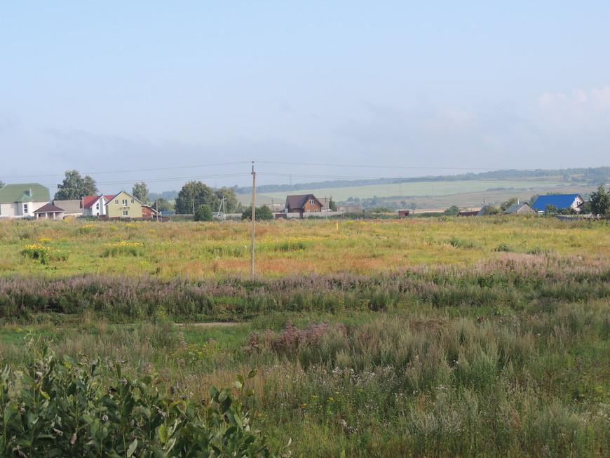 По дороге в Минск, вас будут встречать поля и маленькие деревушки,  Если вы держитесь по трассе  м1! Дорога хорошая и вы не успеете оглянулся как пересечение границу.