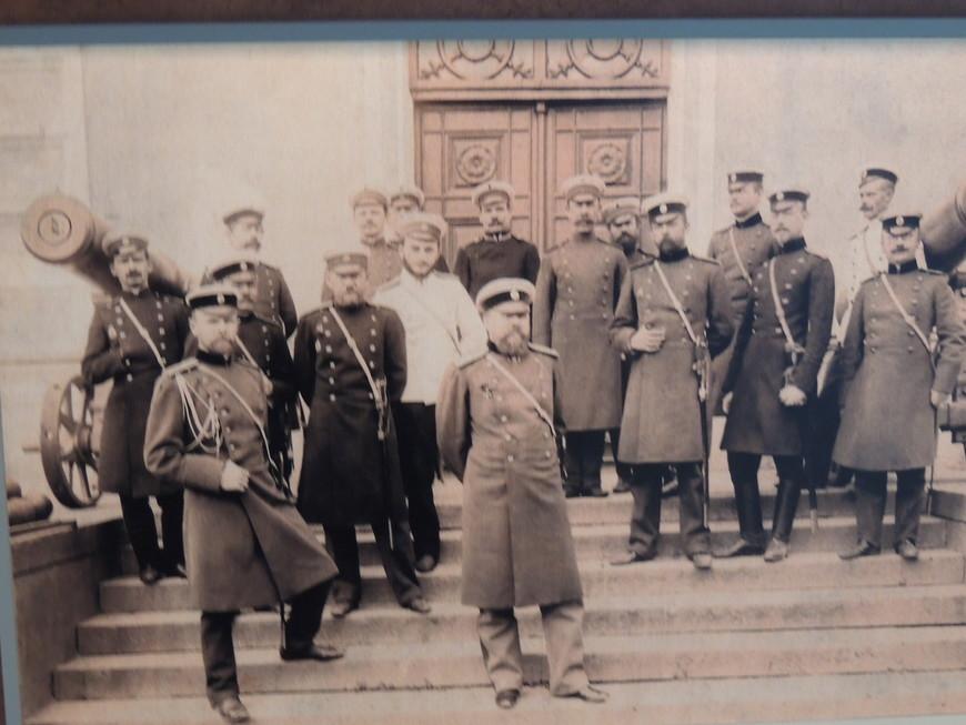 В музее  , представлены фотографии разных эпохи,  связанных с Бресткой крепостью.