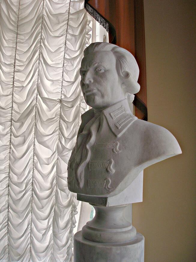 Андрей Тимофеевич Болотов - создатель уникального Богородицкого парка,  ныне носящего его имя. Сам Богородицкий дворец-музей был восстановлен из руин и открыт в 1988 г.,  когда праздновалась 250-я годовщина со дня рождения Болотова.