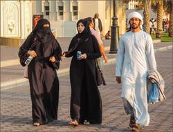 Жителей ОАЭ просят не носить национальную одежду за рубежом