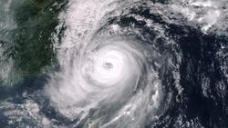 К Тайваню движется супертайфун, отменены авиарейсы