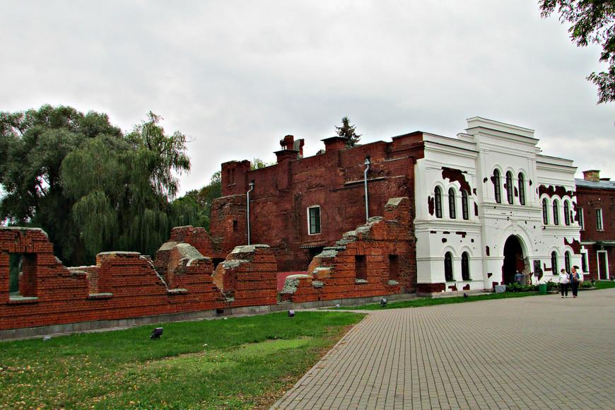 Холмские ворота. Их считают символом Брестской крепости.