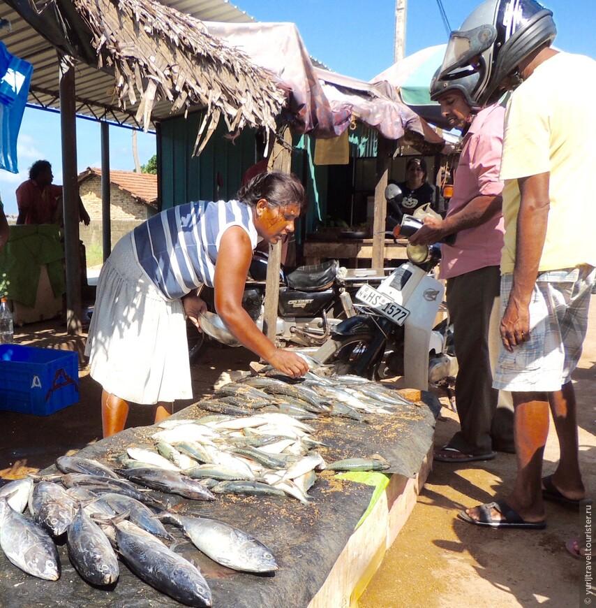 Рыбный рынок не прекращает своей работы ни на один день