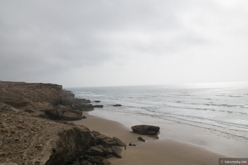 Дикий пляж, Атлантический океан, не далеко от Агадира