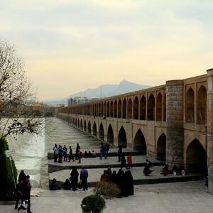 Исфахан: Джольфа, качающиеся минареты, мосты.