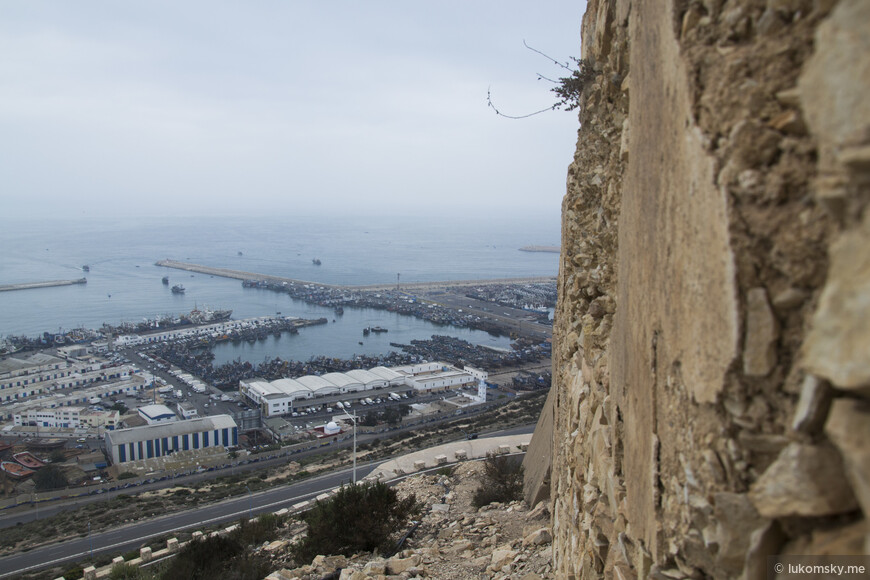 Агадир, Вид на порт у стены старой крепости