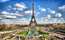 Эйфелева башня закрылась после финала Евро-2016