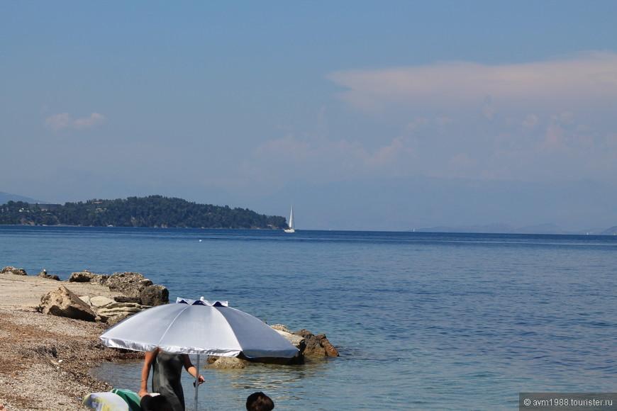 Пляж рядом с гостиницей