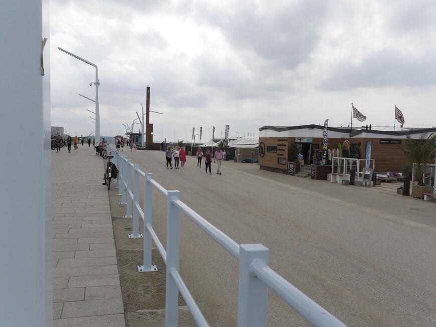 Схевенинген-курортный район Гааги, расположенный на берегу Северного моря.