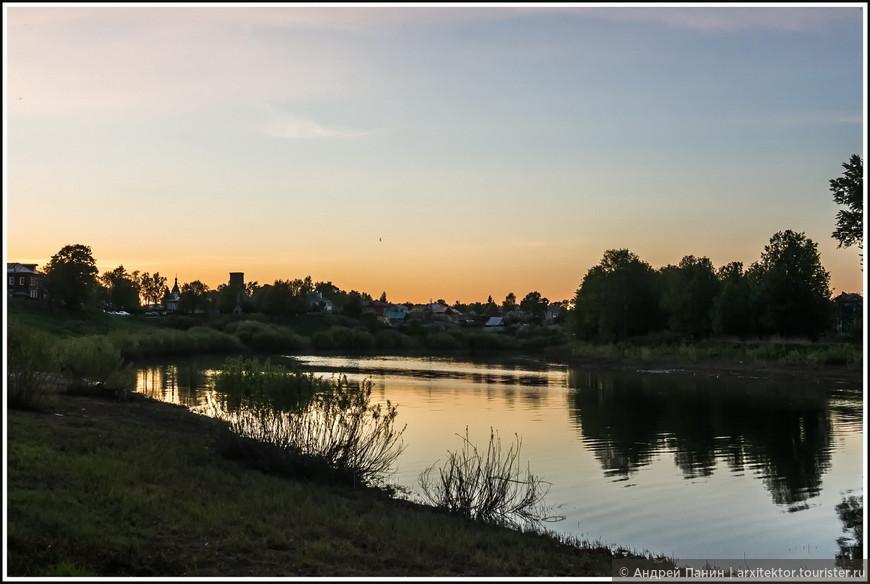 Свое знакомство с городом Вологда мы начали с прогулки по набережной реки Вологды.