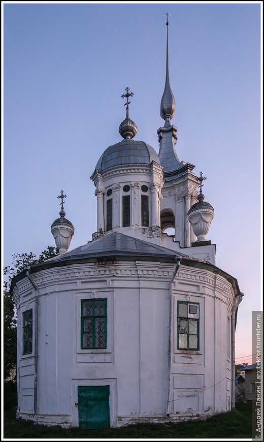 Снова Церковь Варлаама Хутынского.