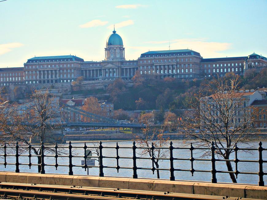 Вид на Королевский дворец.