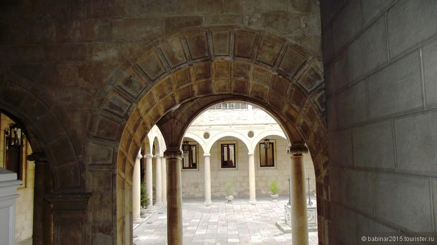 Патио Дворца Гусманов