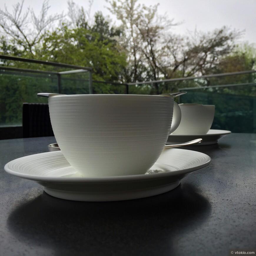 Утренний кофе в отеле Ritz Carlton